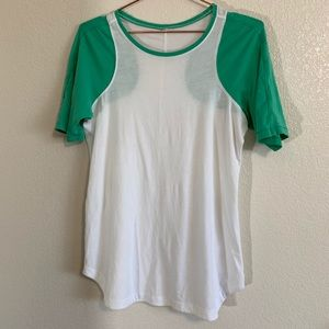 Lululemon | Green & White Casual Tee - Size 8
